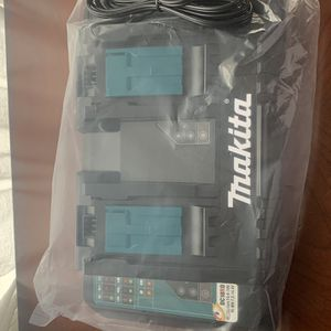 Makita 18 v doble charging station for Sale in Chula Vista, CA