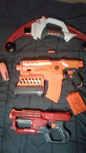 3 nerf guns with 2 mags+35 bullets for Sale in Fresno, CA
