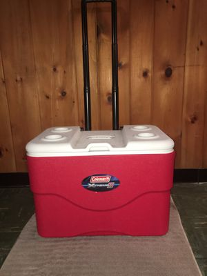 Coleman Extreme5 75 Quart Cooler for Sale in Buffalo, NY