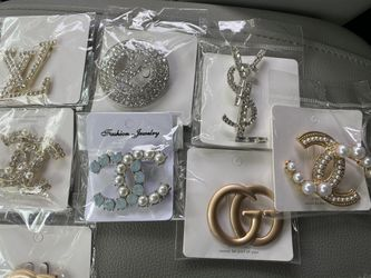 Brooches for Sale in Boston,  MA