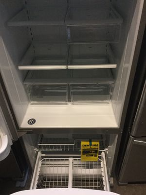 Whirlpool 18.7 cu. ft. Bottom Freezer Refrigerator in Monochromatic Stainless Steel for Sale in Modesto, CA
