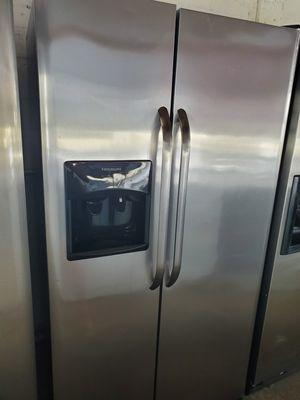 Refrigerator 36inch perfect condition for Sale in Miami Lakes, FL