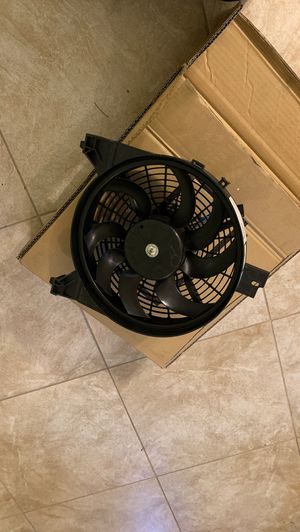 Ac condenser fan for 2005 Nissan Armada for Sale in Ruskin, FL