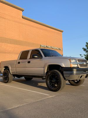 2004 Chevy Duramax 4WD for Sale in Exeter, CA