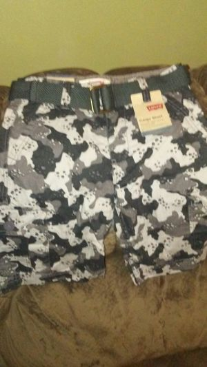 Levi Cargo Shorts for Sale in Tampa, FL