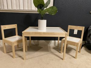 Toddler kid table for Sale in Clovis, CA