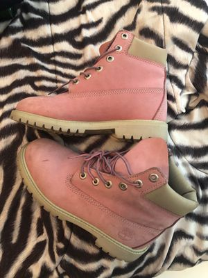TIMBERLAND BOOTS (PINK) for Sale in Atlanta, GA