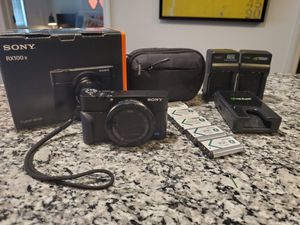 "Sony Cyber-Shot DSC-RX100 V 20.1 MP Digital Still Camera with 3"" OLED, flip Screen, WiFi, and 1"" Sensor DSCRX100M5/B for Sale in Clearwater, FL"