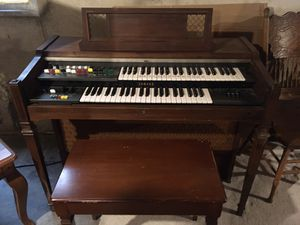 Free, working Yamaha organ. Works but you must move from basement for Sale in Aurora, IL