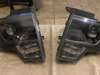 2010-2014 Ford F-150/Raptor OEM Headlights With Bulbs for Sale in Norco,  CA