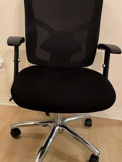 Black Office Chair for Sale in Los Angeles,  CA