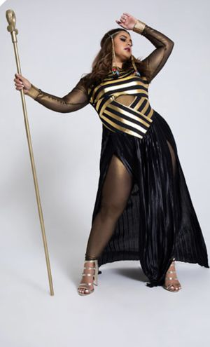 Plus size queen of Nile costume for Sale in Phoenix, AZ