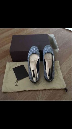 Auth Louis Vuitton flat shoes for Sale in San Diego, CA