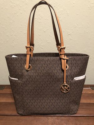 NWT Michael Kors Tote for Sale in Big Lake, MN