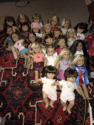 Also have four horses and a few pieces of furniture!! 21 real American girl dolls and two bitty babies!! Asking $2,200 for the whole collection!! for Sale in Mayfield Heights, OH
