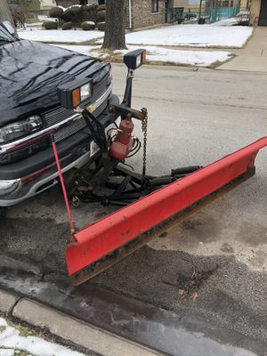 1999 Chevy Silverado 1500 4x4 with snowplow for Sale in Chicago Heights, IL