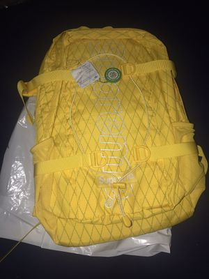 Supreme FW18 Backpack (YELLOW) for Sale in Brooklyn, NY