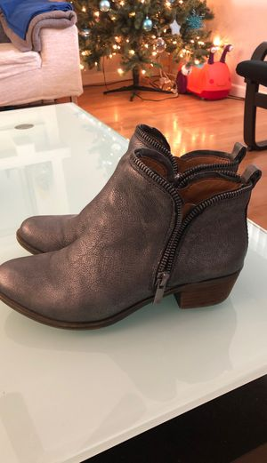 Lucky Brand Ankle Zip Booties 5.5 good condition for Sale in San Jose, CA