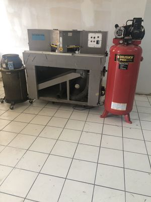 Air compressor and saw and saw dust collector for Sale in Miami, FL