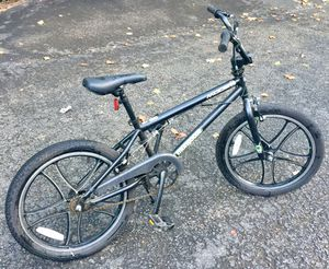 Mongoose Trick BMX. Free spinning handlebars for Sale in Vinton, VA
