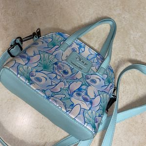 Hot Topic Stitch Handle Bag Purse. for Sale in Chicago, IL