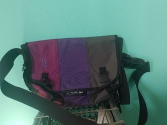 Purple Gray TIMBUK 2 Crossbody Satchel Messenger Bag Very Nice Must Go for Sale in Portland,  OR