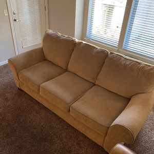 Couch for Sale in Vancouver, WA