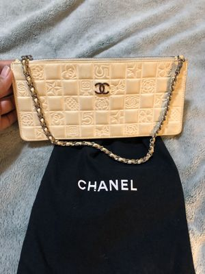 Authentic Chanel classic clutch w/serial number for Sale in Modesto, CA