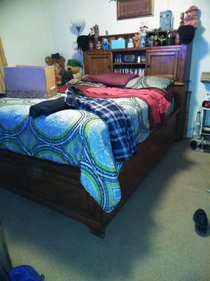 Bed frame an drawers for Sale in Odessa, TX