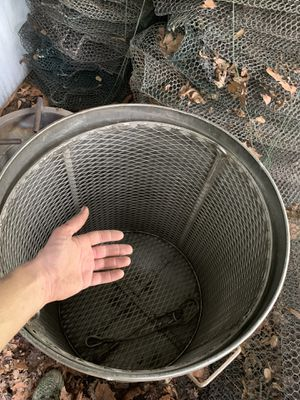Commercial crawfish pot , burner and basket . All stainless for Sale in Woodworth, LA