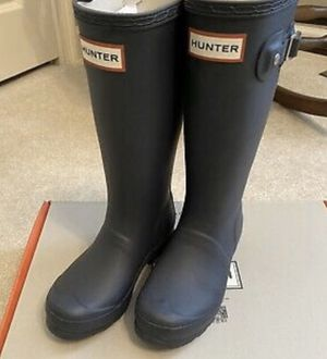 Navy blue Hunter kids rain boots boys size 2/girls size 3 for Sale in Bothell, WA