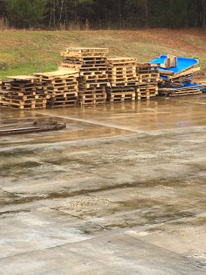 Project or fire wood (block pallets) for Sale in Greer, SC