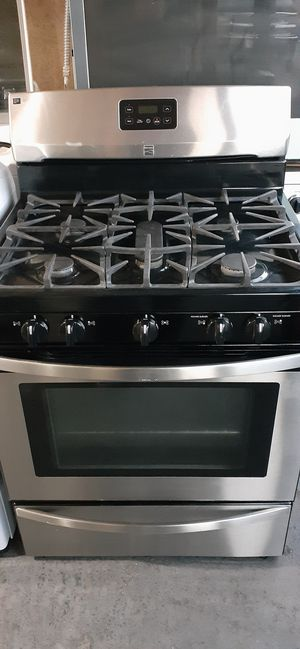 GAS STOVE 5 BURNER KENMORE STAINLESS STEEL LIKE NEW for Sale in Santa Ana, CA