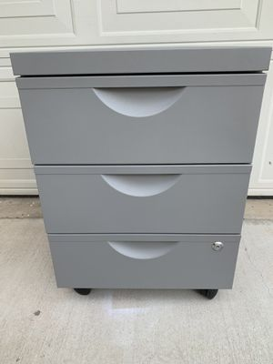 ERIK File Drawer unit w 3 drawers on casters * If the post is still up, it's available * for Sale in Alhambra, CA