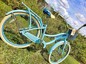 (((26))) HUFFY NEL LUSSO GREAT CONDITIONS USED BUT LOOKING AND WORKS LIKE NEW READY TO RIDE 🚴♀️🚵♀️🚲🚴♂️ for Sale in Tampa, FL