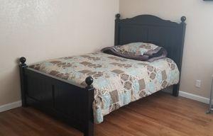 Bedframe & Dresser for Sale in Fresno, CA