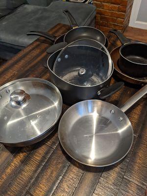2 pots, 2 lids, 5 pans for Sale in Jersey City, NJ