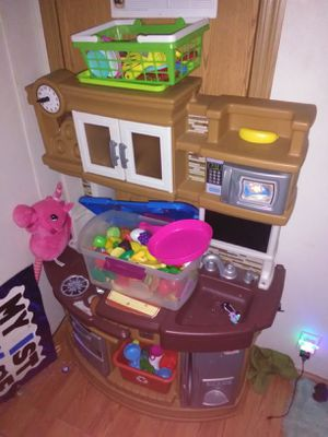 Kids play kitchen step 2 for Sale in Geneva, OH