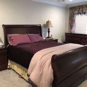 Bedroom Set- Cherry Wood Queen for Sale in Selden, NY