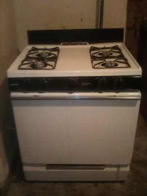 GE Hot Point Stove for Sale in Irvington, NJ