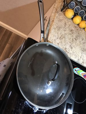 Calphalon fry pan with glass lid for Sale in Pueblo, CO