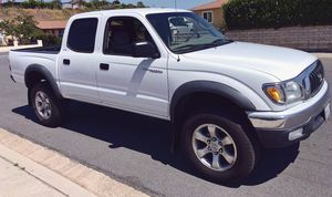 NO ACCIDENTS OR ANYTHONG 2003 TOYOTA TACOMA for Sale in Chicago, IL