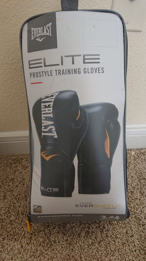 Everlast boxing gloves 14oz for Sale in Beaumont, TX