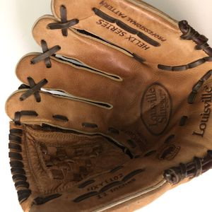 Louisville Slugger Helix Series Baseball Glove 11 In Left Hand for Sale in Long Beach, CA