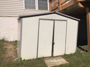 Royal Yard Mate shed - NEEDS TO GO for Sale in Montclair, VA