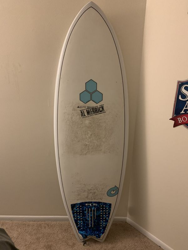Surfboard - Al Merrick - 31L - 5'6 - w fins!