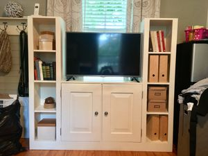 Tv stand / entertainment center for Sale in Tampa, FL