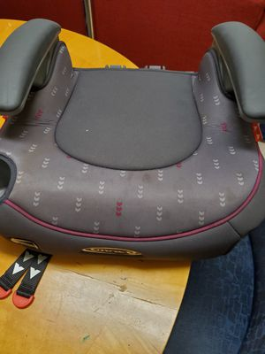 Graco Booster seat. Front door pickup for Sale in West Lake Hills, TX