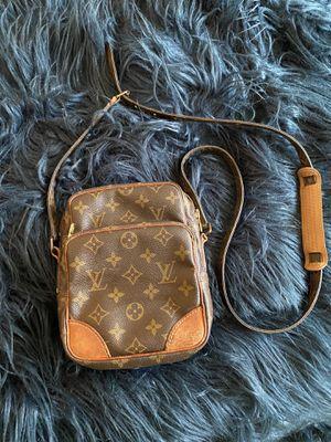 Louis Vuitton vintage crossbody for Sale in Collingdale, PA