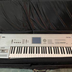 Used Korg Triton Classic 61-Key Workstation & Sampler for Sale in Kirkland, WA